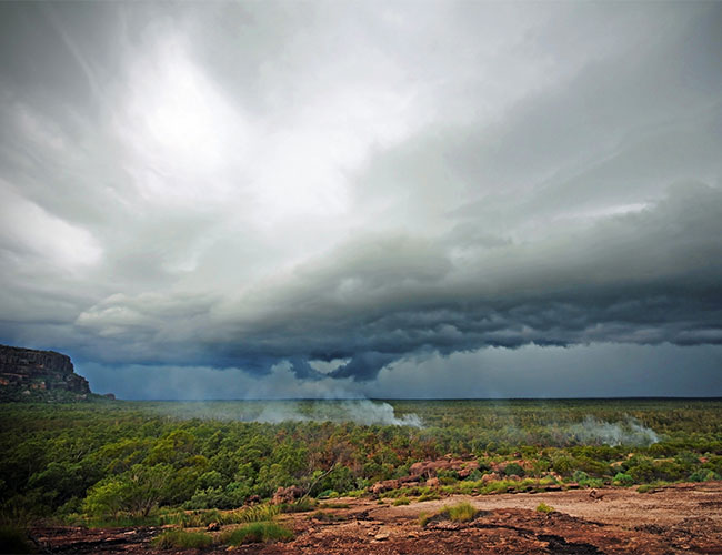 Storm and bush fires NT